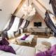 Conseils pour fixer des rideaux sous combles